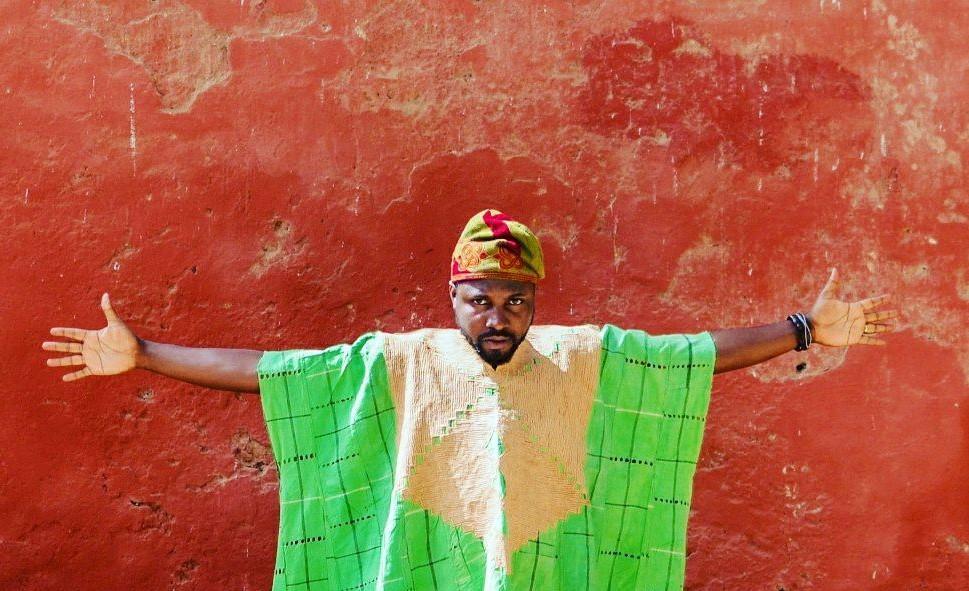 « Les villes africaines ont été construites artificiellement, sans lien avec l'histoire et la culture locale alors que leur construction devrait être inspirée des coutumes et habitats africains », entretien avec Elom 20ce, artiste et rappeur togolais (troisième partie)
